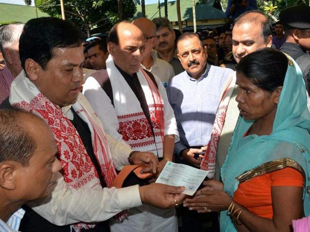 Assam chief minister Sarbanda Sonowal (left) has recently discussed the state's water situation and flood-control measures with ADB and IIT Guwahati. But unless it can be assessed how much the volume of water in the river is during the monsoon due to precipitation, flood control can be at best be partially successful.