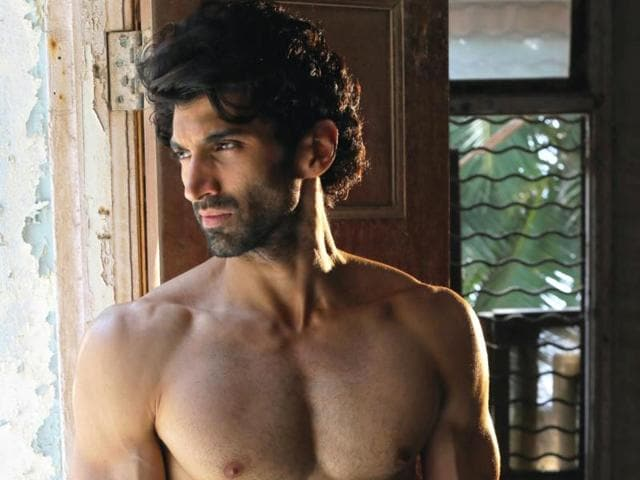 Aditya Roy Kapoor is overwhelmed with the response his acts are getting in the US.