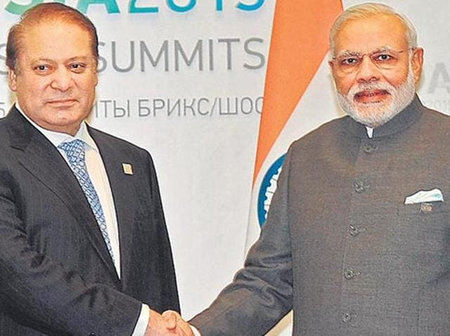 File photo of Pakistan prime minister Nawaz Sharif and  Indian Prime minister Narendra Modi prior to a meeting at Hydrabad House in New Delhi.