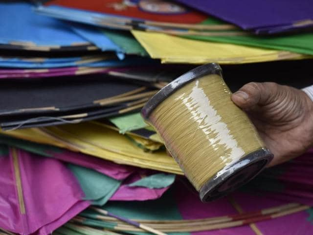 Chinese kite strings being sold in Lal Kuan market, New Delhi.(Sanjeev Verma/HT Photo)