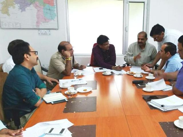 During the meeting Gurgaon MLA Umesh Aggarwal raised various issues with national highway administration and also rejected their contention that jams were caused because of lack of an alternative road.