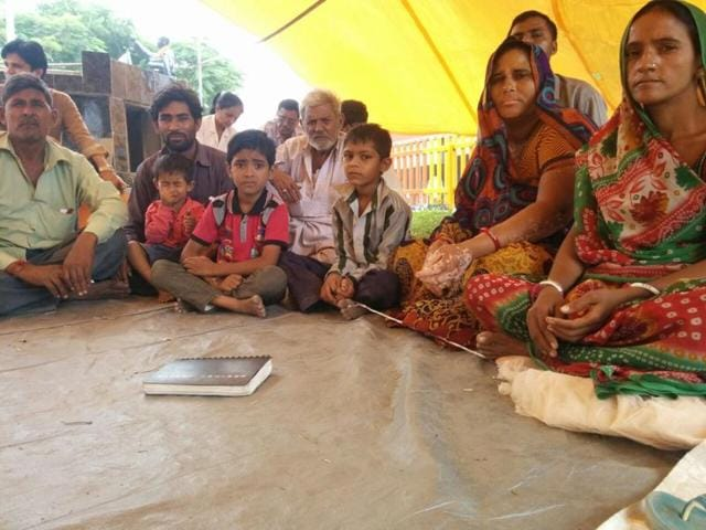 Family members of Piyush Sarvaiya sit on a hunger strike over the attacks on Dalits on their way back from the Una rally.