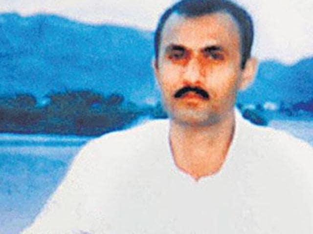 A file photo of gangster Sohrabuddin Sheikh with his wife Kausar Bi.