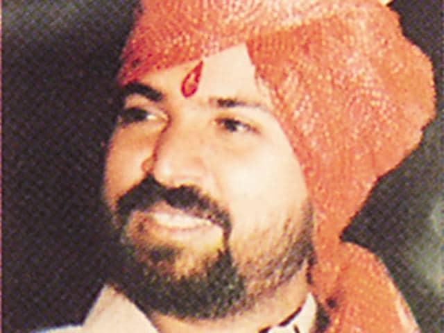 Shiv Sena,Arjun Khotkar,Aam Admi Party