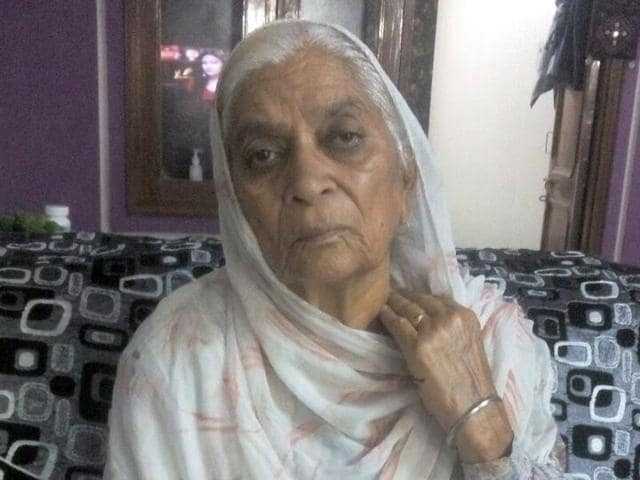 Surinder Kaur, whose chain was snatched by miscreants in Ludhiana on Wednesday.