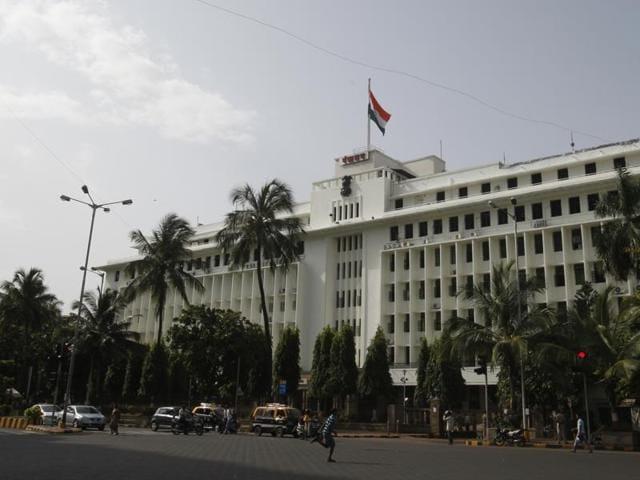 teen suicide,mumbai,mantralay