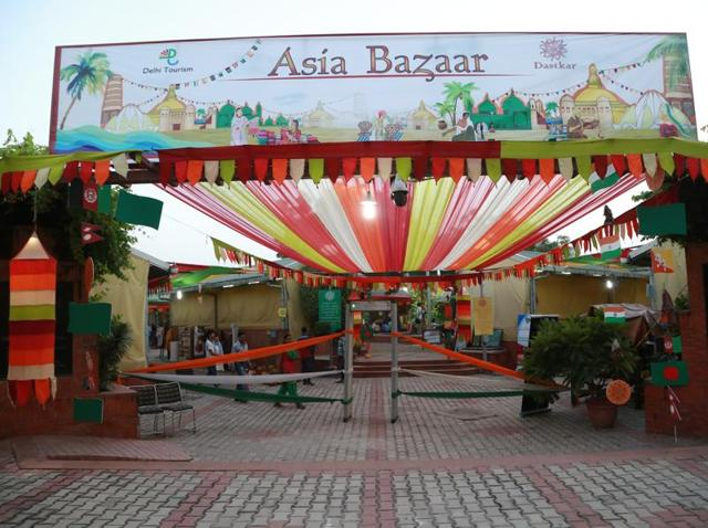 Dastkar Asia Bazaar brings together craftsmen from five South-Asian countries, along with local artists.