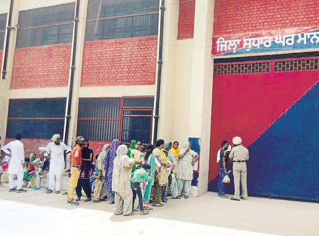 Visitors had to wait for hours in the scorching heat at the Mansa jail on Thursday.