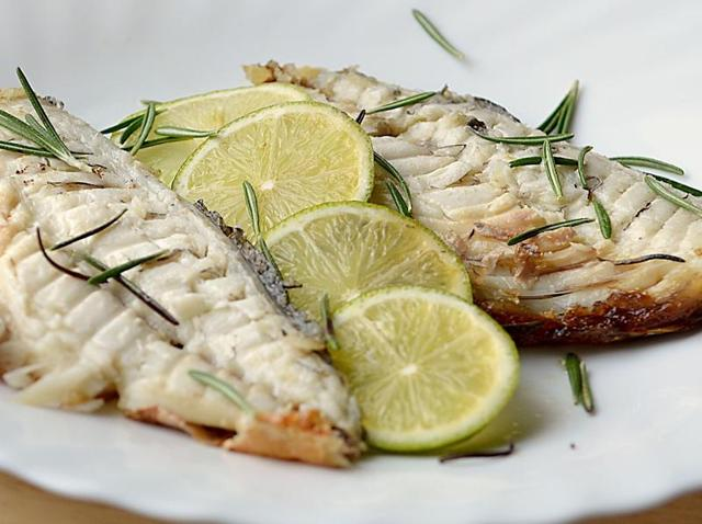 Eating oily fish may decrease the risk of sight-threatening diabetic retinopathy.
