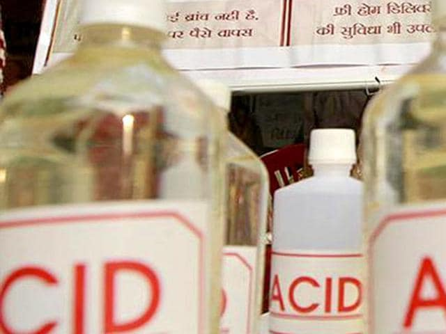 A girl sustained burns on her face after acid was allegedly thrown on her in a village under Sikandarpur police station area.