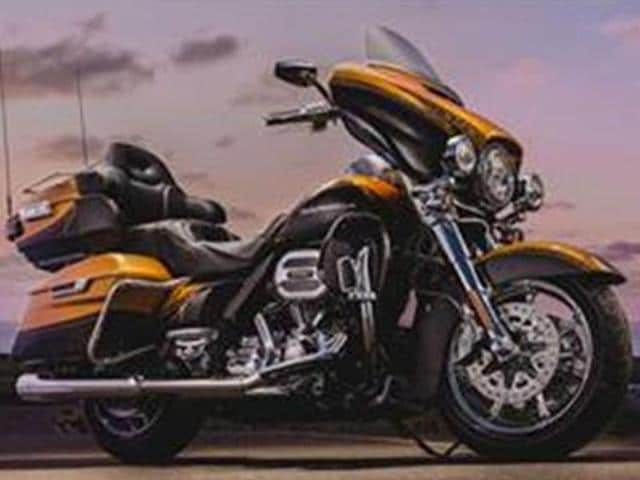 Harley-Davidson Inc. agreed Thursday to pay $15 million to settle a US government complaint over racing tuners that caused its motorcycles to emit higher-than-allowed levels of air pollution.