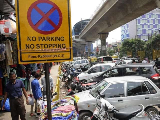 Various people's representative bodies will meet on Friday at Sector 18 market to decide how to get the Noida authority and traffic police to identify unauthorised parking sites and initiate action against them.