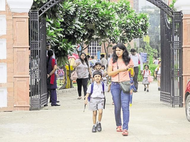 Parents seeking admission for their little ones complain that a number of private schools are not complying with Right to Education Act (RTE) in nursery admissions.