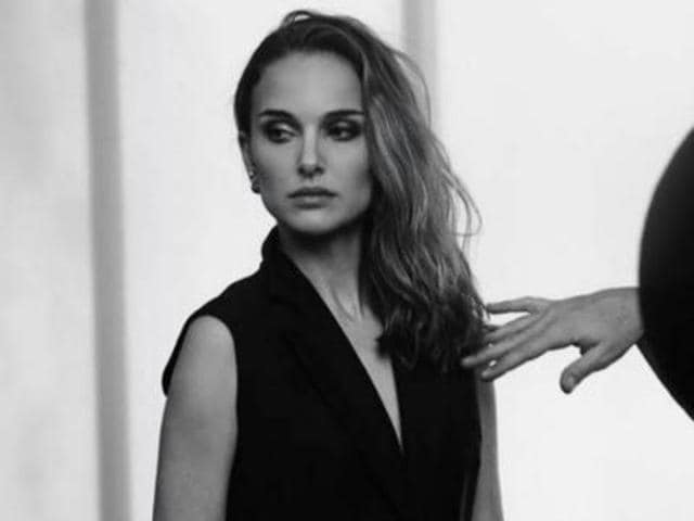 Natalie Portman is known for her perfomances in films such as Closer (2004) and V for Vendetta (2006).