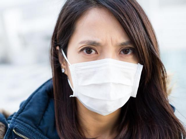 Experts say that disposable surgical masks and washable cloth masks perform poorly when compared to alternative options available  in the market.