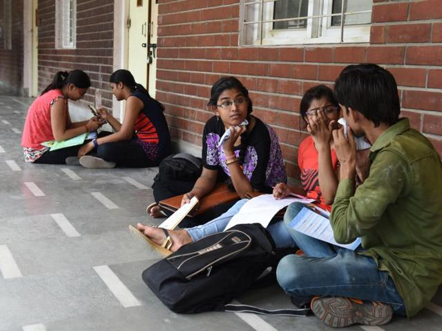 Over a month after the new academic session began, DU colleges are continuing to admit students for the 6,500 vacancies across courses. There are a total of 54,000 seats.