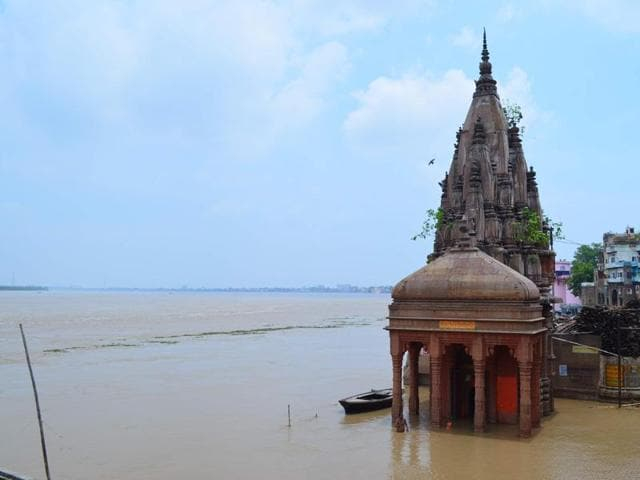 The rising waters of the Ganga have rendered Manikarnika Ghat useless for cremations.