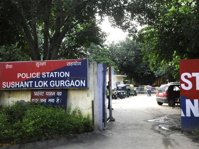 On Friday night, a Gurgaon constable illegally drove a Toyota Fortuner, impounded in a case of kidnapping, out of the police station and crashed into a divider. Apprehending arrest, the constable fled leaving the vehicle at the accident site.