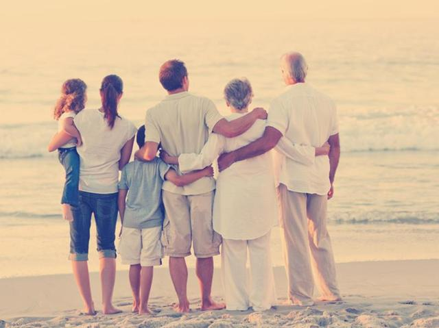 Want to have a long life? Keep your family close in old age