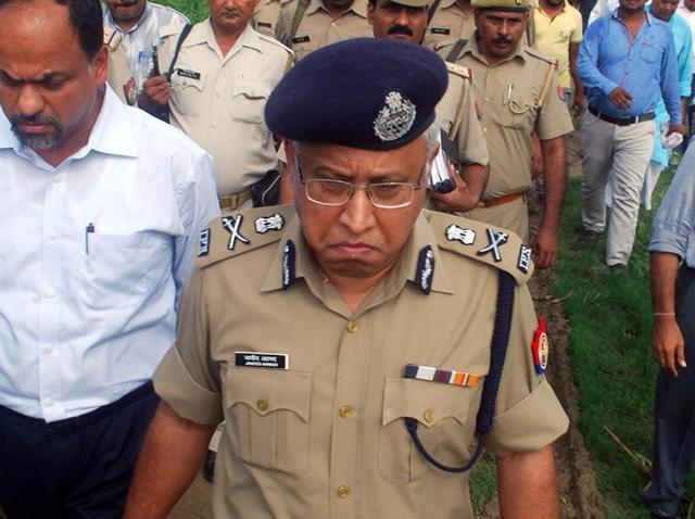 UP's Director General of Police Javeed Ahmad (above) has issued six-point directions to all police units in the state to become active on microblogging site Twitter.