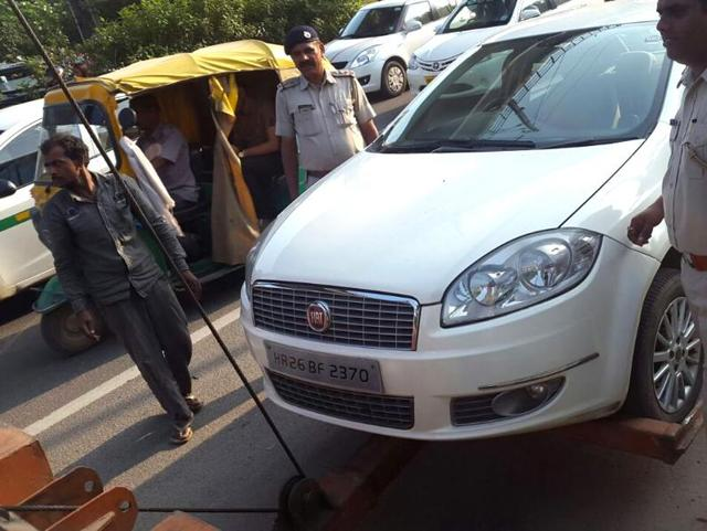 clampdown,violating traffic norms,Gurgaon police's traffic wing