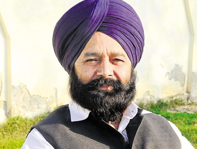 """Sunil Jakhar produced copies of unstarrred question asked by SAD MP Sher Singh Ghubaya in the Lok Sabha in 2015 seeking reply from the ministry of home affairs on a """"new capital"""" for Punjab."""