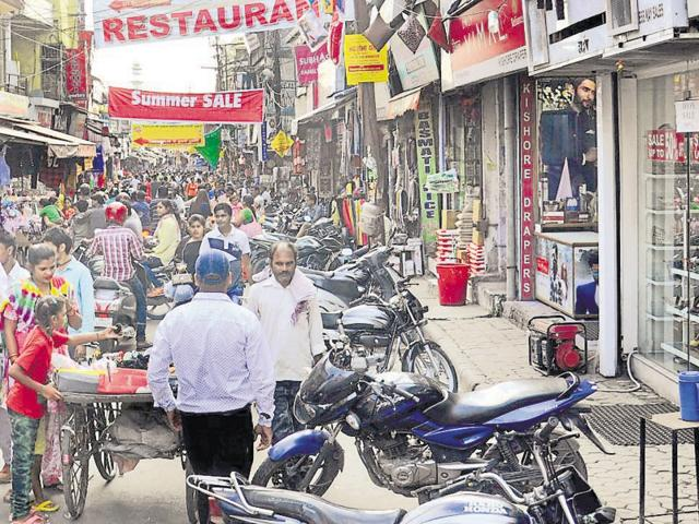 The government had agreed to review the circle rate-based method last year after protests by traders, but came up with a plan only now apparently in a bid to woo them ahead of polls.