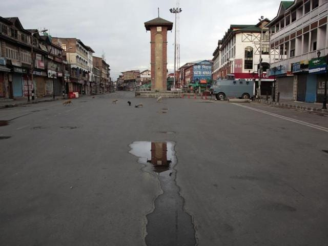 Curfew was lifted from most areas of Srinagar even as normal life remained affected for the 46th straight day.(AP File Photo)
