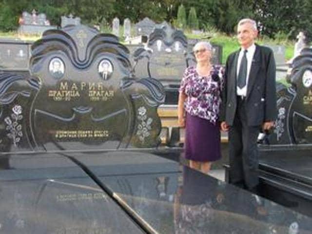 Self funeral,Bosnian couple,Bosnian couple funeral