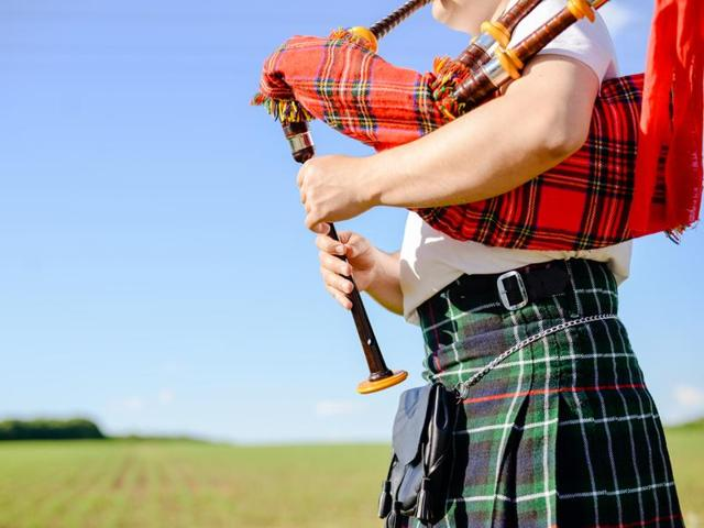 Wind instruments such as bagpipes could lead to pneumonitis, caused by regularly breathing in mould and fungi lurking inside the moist interior of bagpipes.