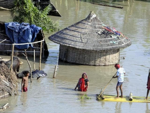 Hundreds of thousands have been evacuated as floods hit vast swathes of central and eastern India, including Bihar.
