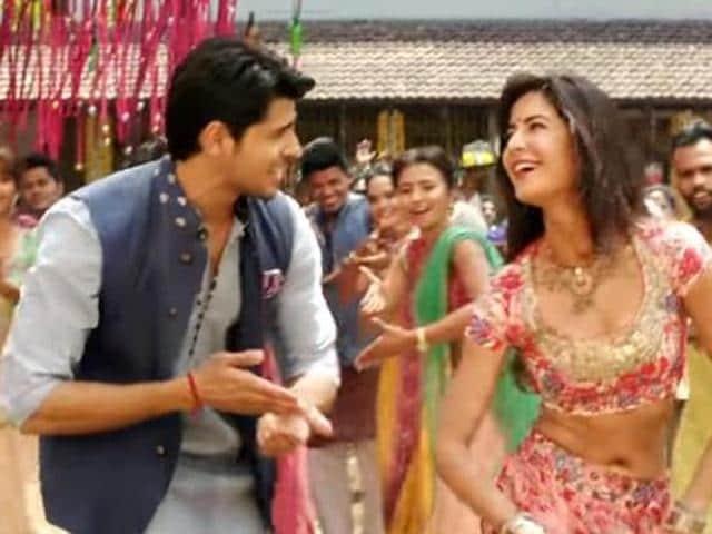 Katrina dances to the tunes of Nachde Ne Saare. (YouTube)