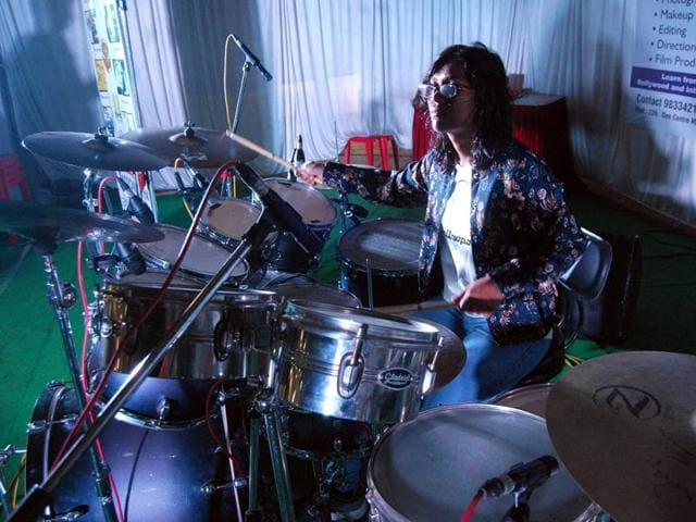 Srishty Patidar set a world record of playing drums non-stop for 31 hours at Gandhi Hall in Indore.