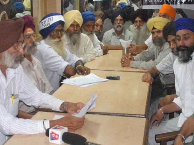 Members of 1984 Sikh Katleam Pirit Parivar Sangarsh Committee members during a meeting in Amritsar on Wednesday.