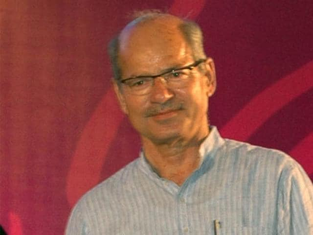 Will environment minister Anil Dave approve GM mustard?(Hindustan Times)