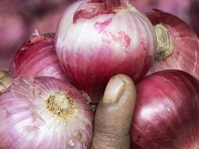 onion prices,lowest,consumers
