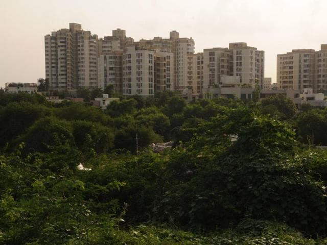 Around 40% of buyers/builders felt that implementation of RERA would help in timely delivery of projects since 70% of the sales proceeds will be set aside in an escrow account by developers and also eliminate non-serious players from the sector, says a new survey.