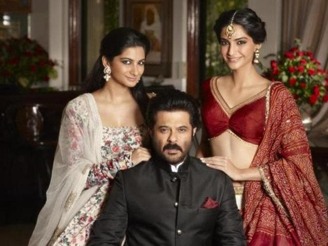 Sonam Kapoor Right With Father Anil And Sister Rhea