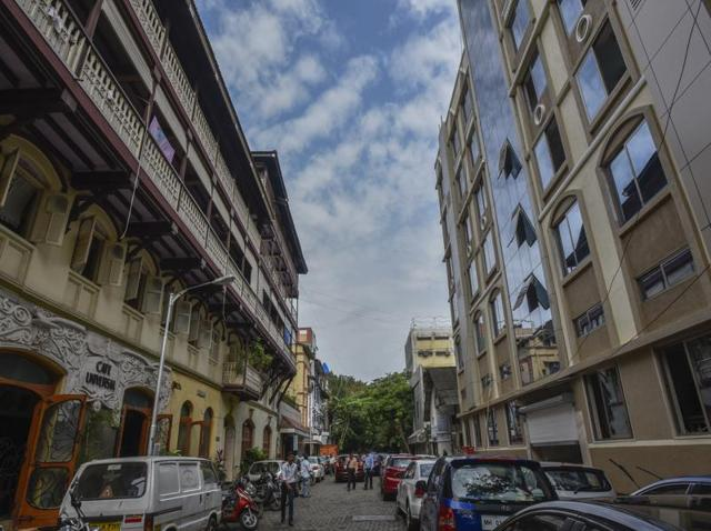 Mangalore street boasts of some of the area's oldest cafe. The old Iranian café, Café Universal, draws in the crowds even today.