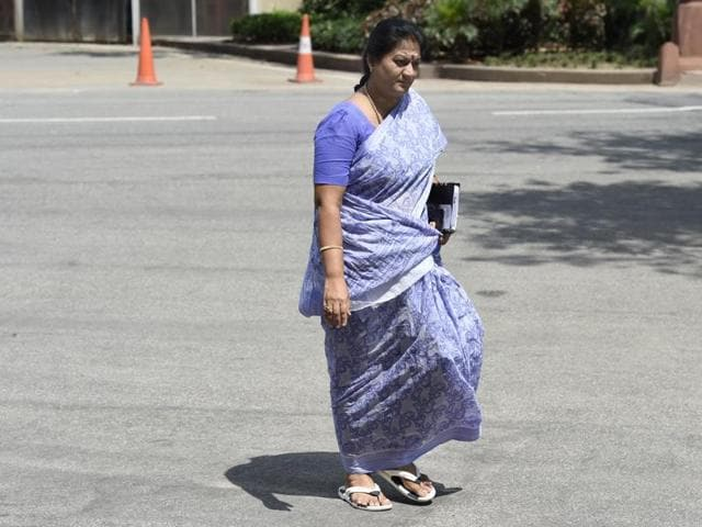 The top court gave expelled AIADMK leader  Sasikala protection for six weeks.