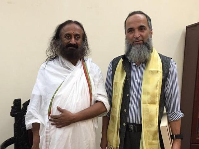 Muzaffar Wani meets Sri Sri Ravi Shankar