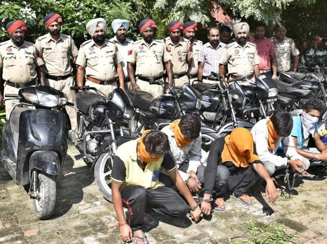 Amritsar police,vehicle thieves,stolen vehicles