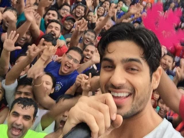 Sidharth was the special guest at IIT-Bombay's 'Run For Your Campus' event where he encouraged youngsters to develop interest in fitness.