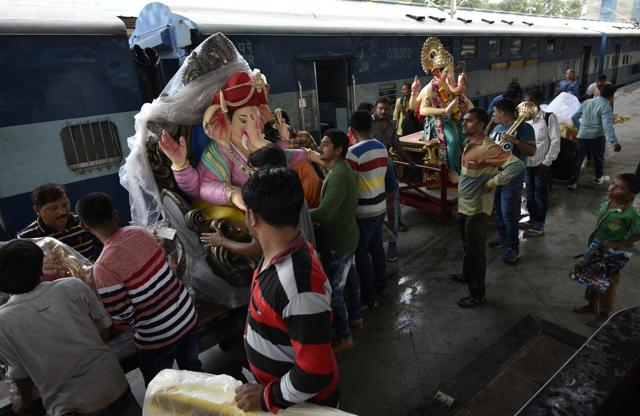 Ganpati boards Flying Ranee train to Surat from Mumbai Central on Sunday.