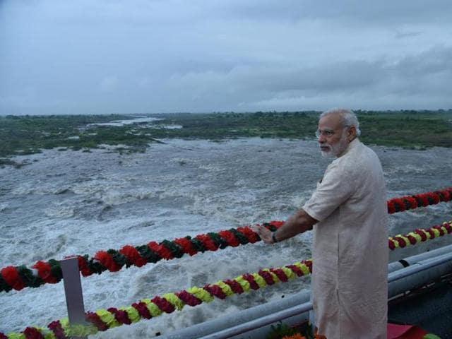 Prime Minister Narendra Modi at AJI-3 dam site of the project in Jamnagar district.