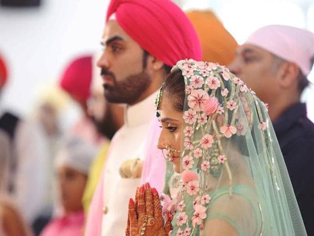 Hunar looks gorgeous in all the dresses that she donned for the ceremonies. She wore a green-pink lehenga for the wedding in a Gurudwara.