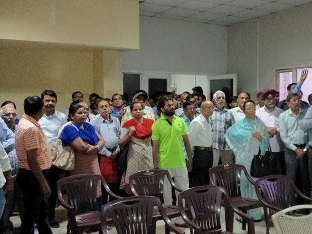 The protesters from New Palam Vihar on Monday threatened to move court to challenge the three draws held so far.
