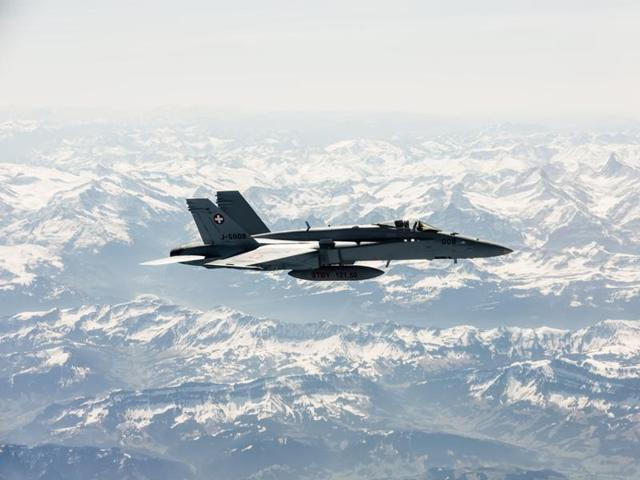 A Swiss army fighter jet that went missing over the Alps is believed to have crashed.