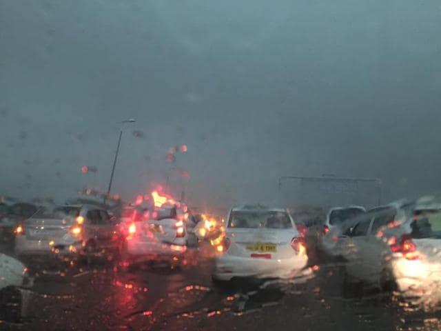 Delhi rains,Delhi traffic jam,Gurgaon jams
