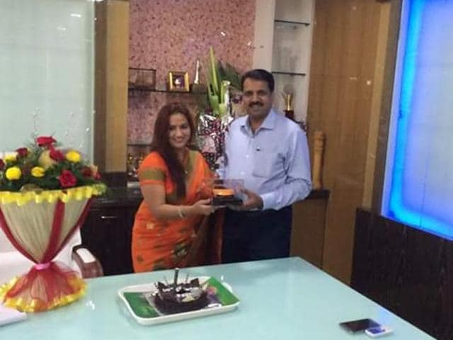 BJP MLA and his wife, Suman, celebrate her birthday .(HT Photo)